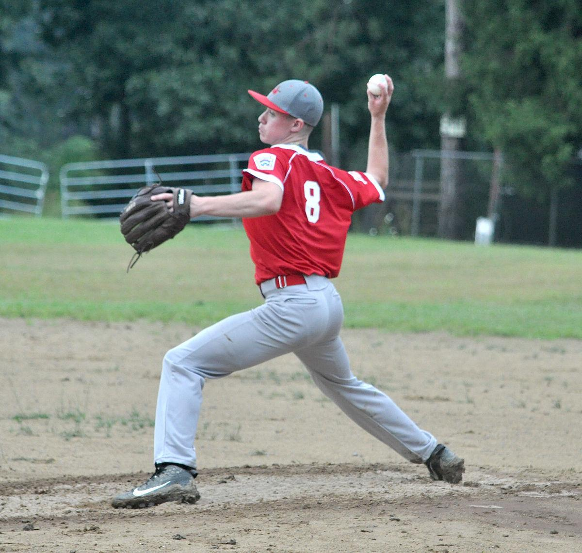 Cam Wagner pitching