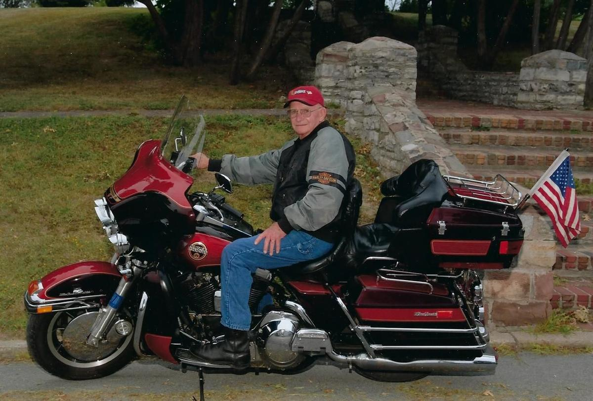 Robert E. 'Bob' McGovern, 92