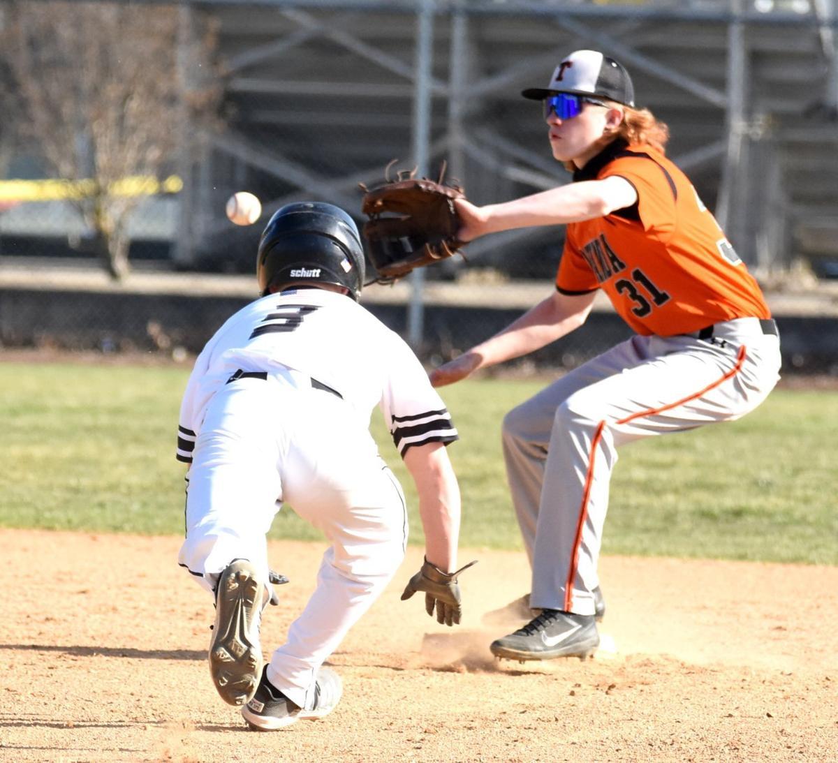 Baseball roundup 1