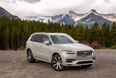 2020 volvo-xc90-t8-inscription front side 2.jpg