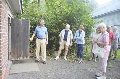 Walking tour explores Emmons' roots