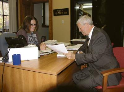 Murphy takes the reins at City Hall
