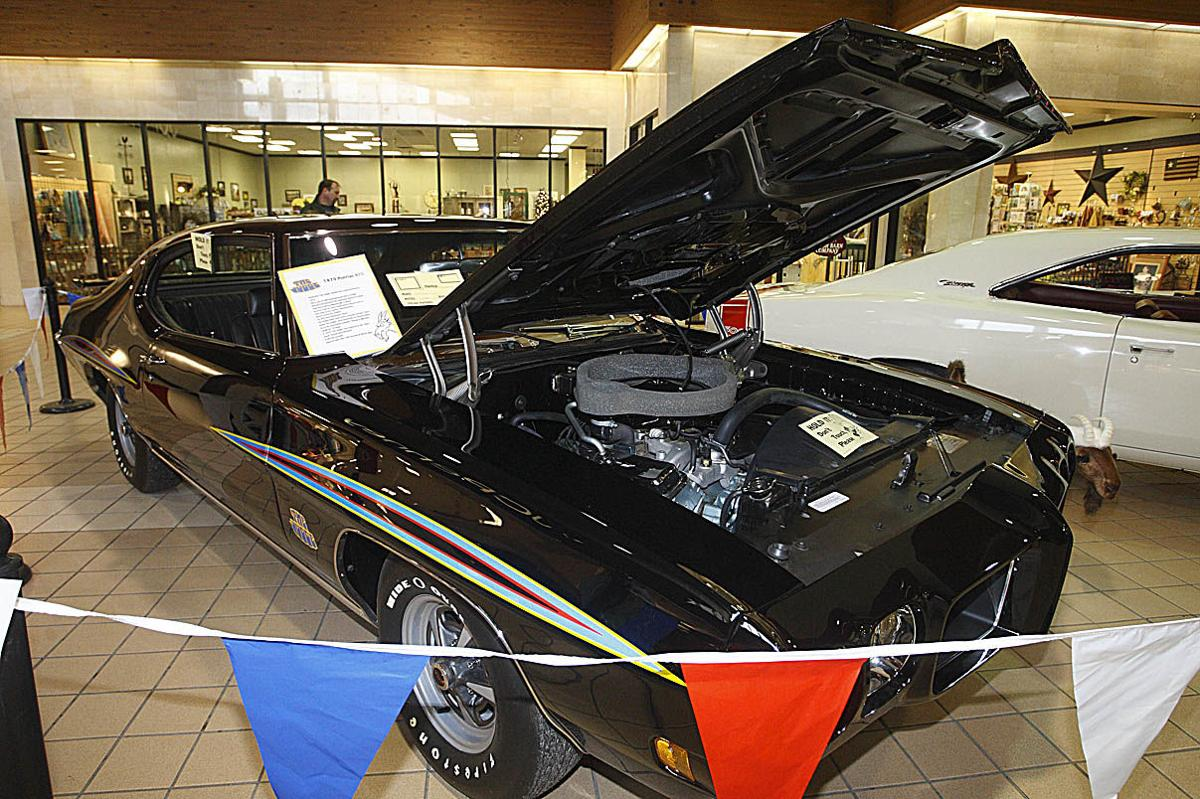 Brandon Auto Mall >> Tom and Doug's Cruise-In Cabin Fever Car Show | Featured | thedailystar.com