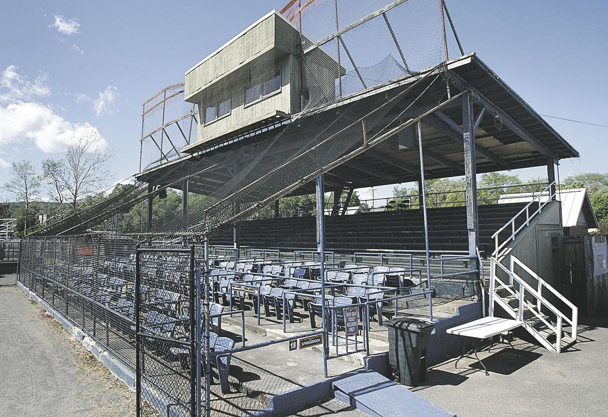 City committees discuss ballpark, transit contract