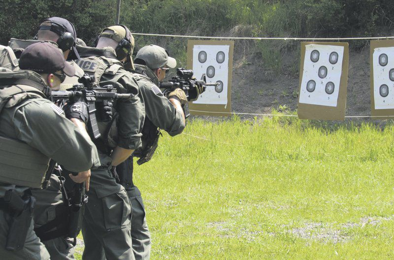 Tactical training gives police an edge | Local News | thedailystar com
