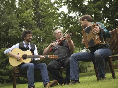 Power trio to play in Bainbridge
