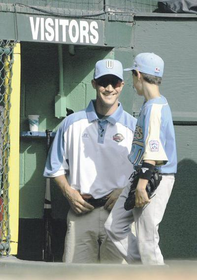 Cody Bellinger follows in dad's footsteps