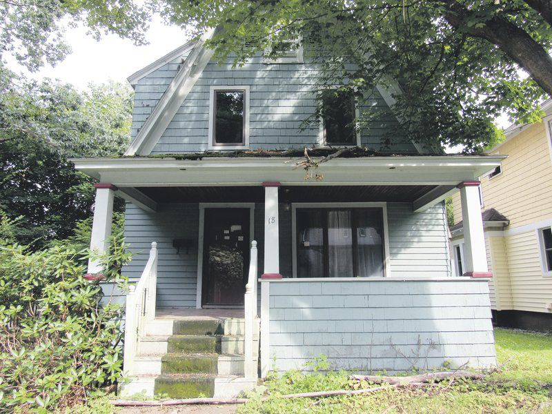 City receives state funds to deal with 'zombie' properties