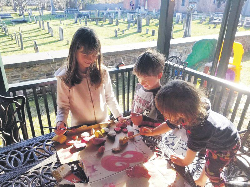 Churches adapt for Easter without traditional gatherings