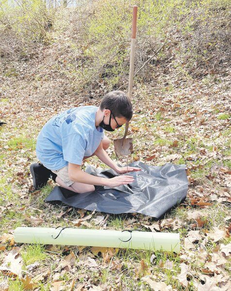 Groupsplant 150 trees to protect creek