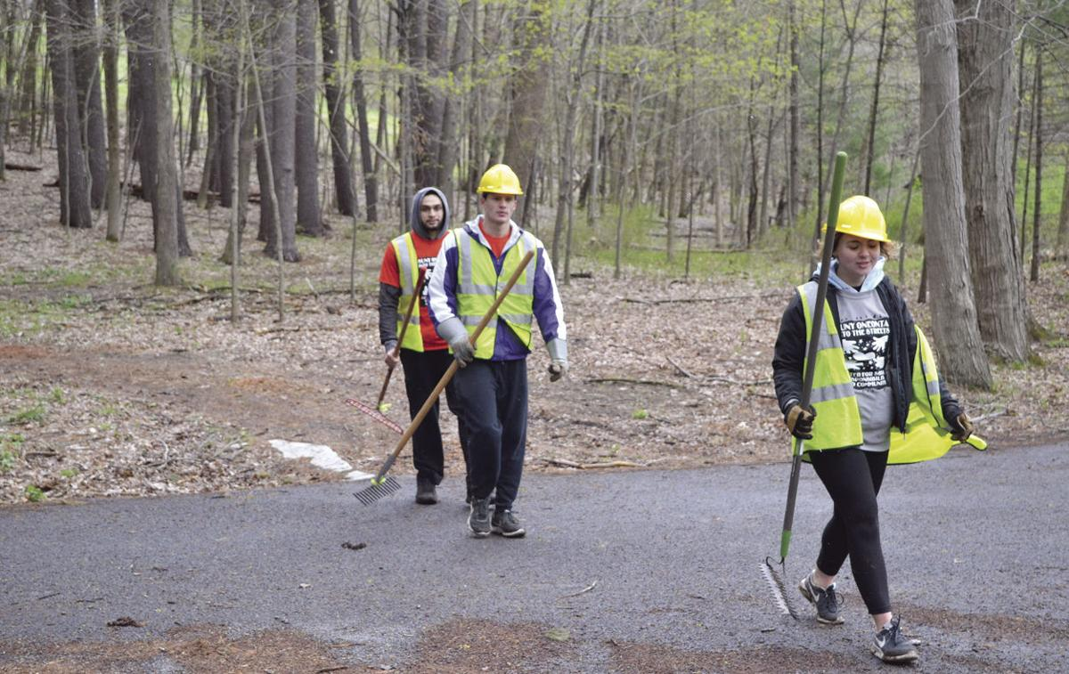 Students Blaze New Nature Trail In Oneonta
