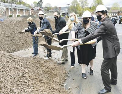 Groundbreaking marks start of constructionof Lofts on Dietz Street