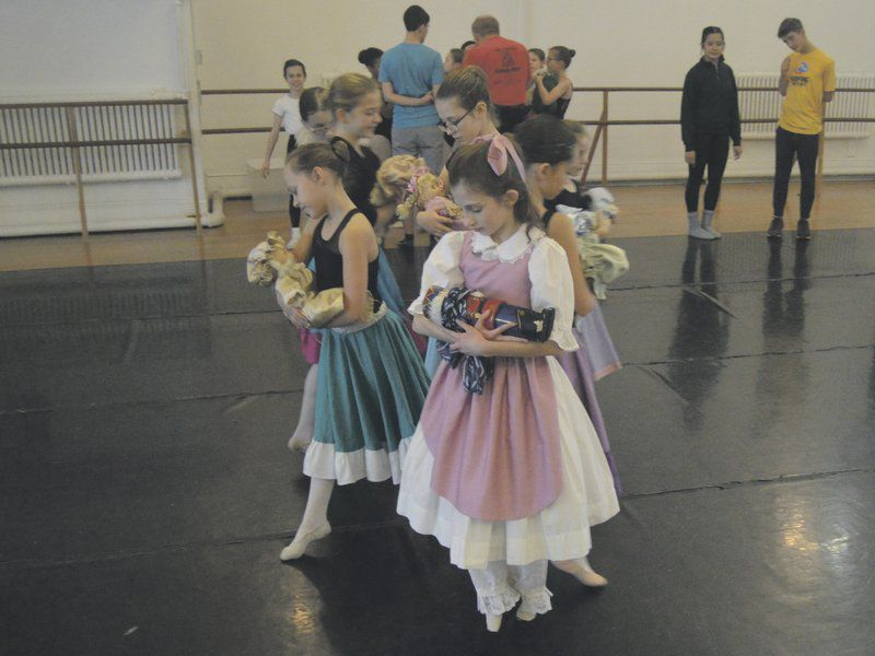 Dancers prepare for 32nd year of 'The Nutcracker'