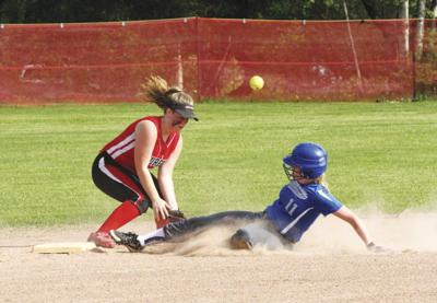 Laurens advances with 20-9 victory