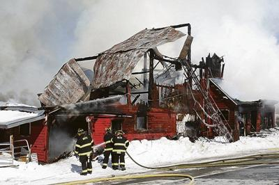 Fire at Laurens barn leaves animals dead