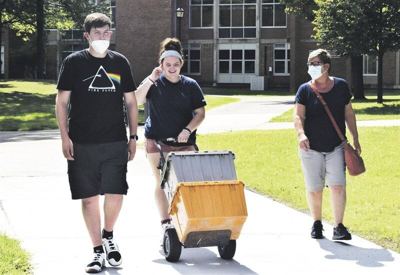SUNY Oneonta students begin to return