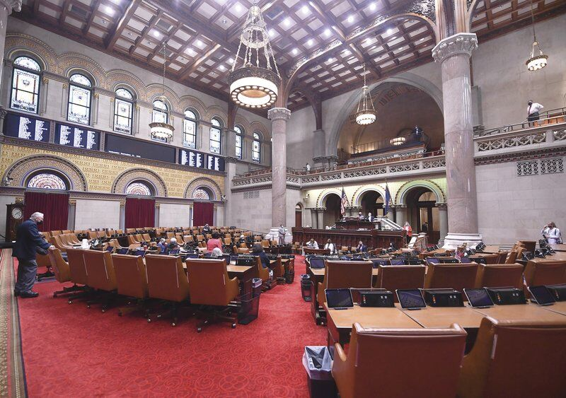 Proposal at statehouse shuts public out of meetings