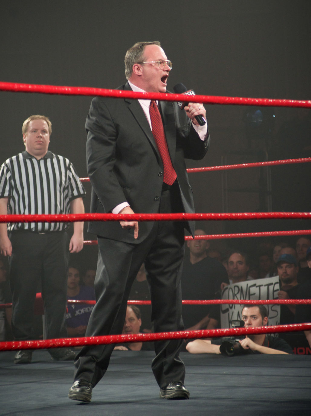 wrestling legend jim cornette returns to east tennessee to help