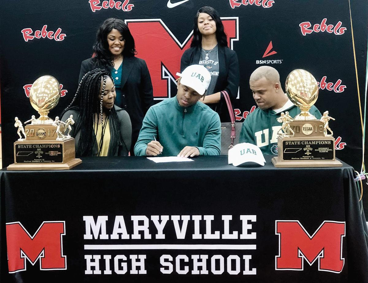 AJ Davis signs with UAB