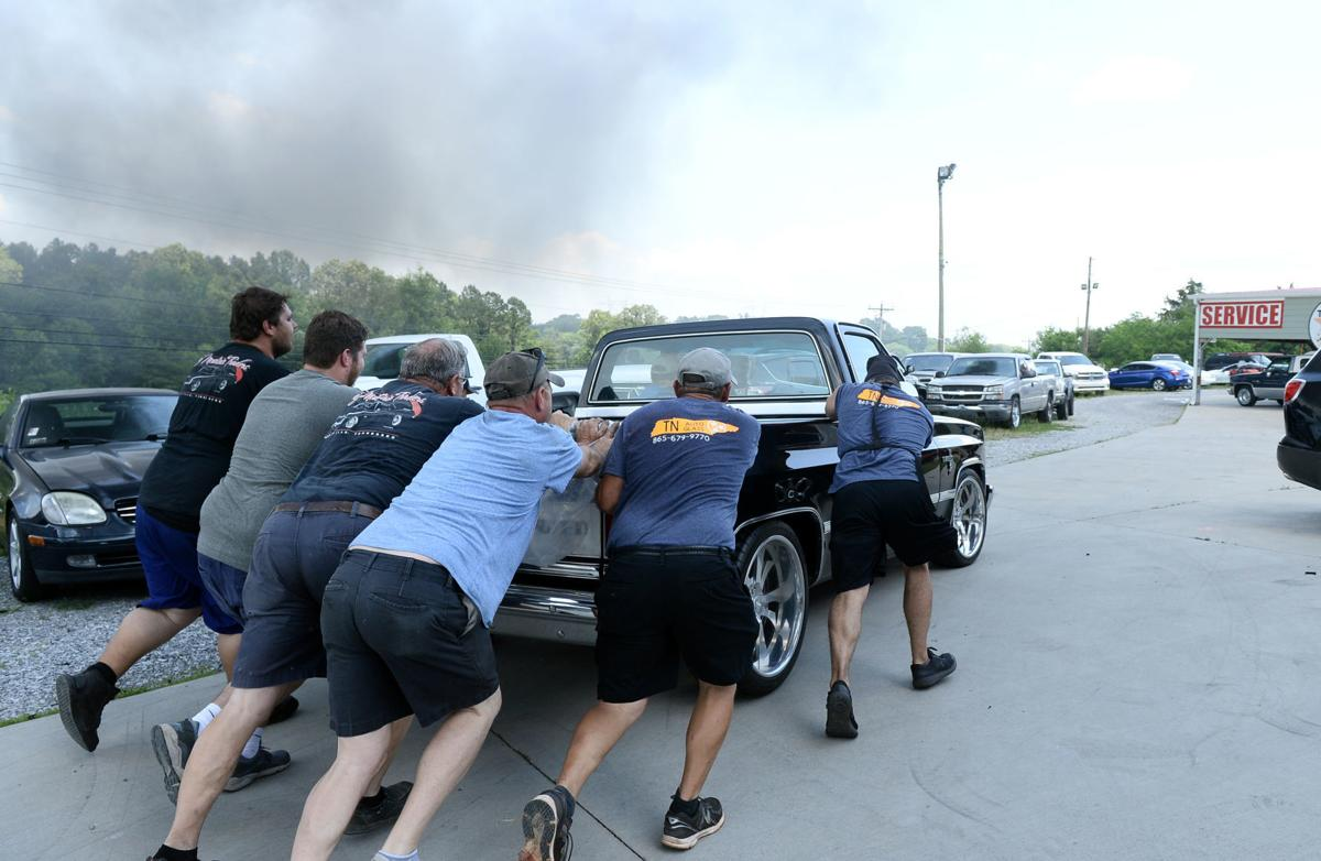 Huge Blaze Spreads To 17 Vehicles At Smoky Mountain Traders News