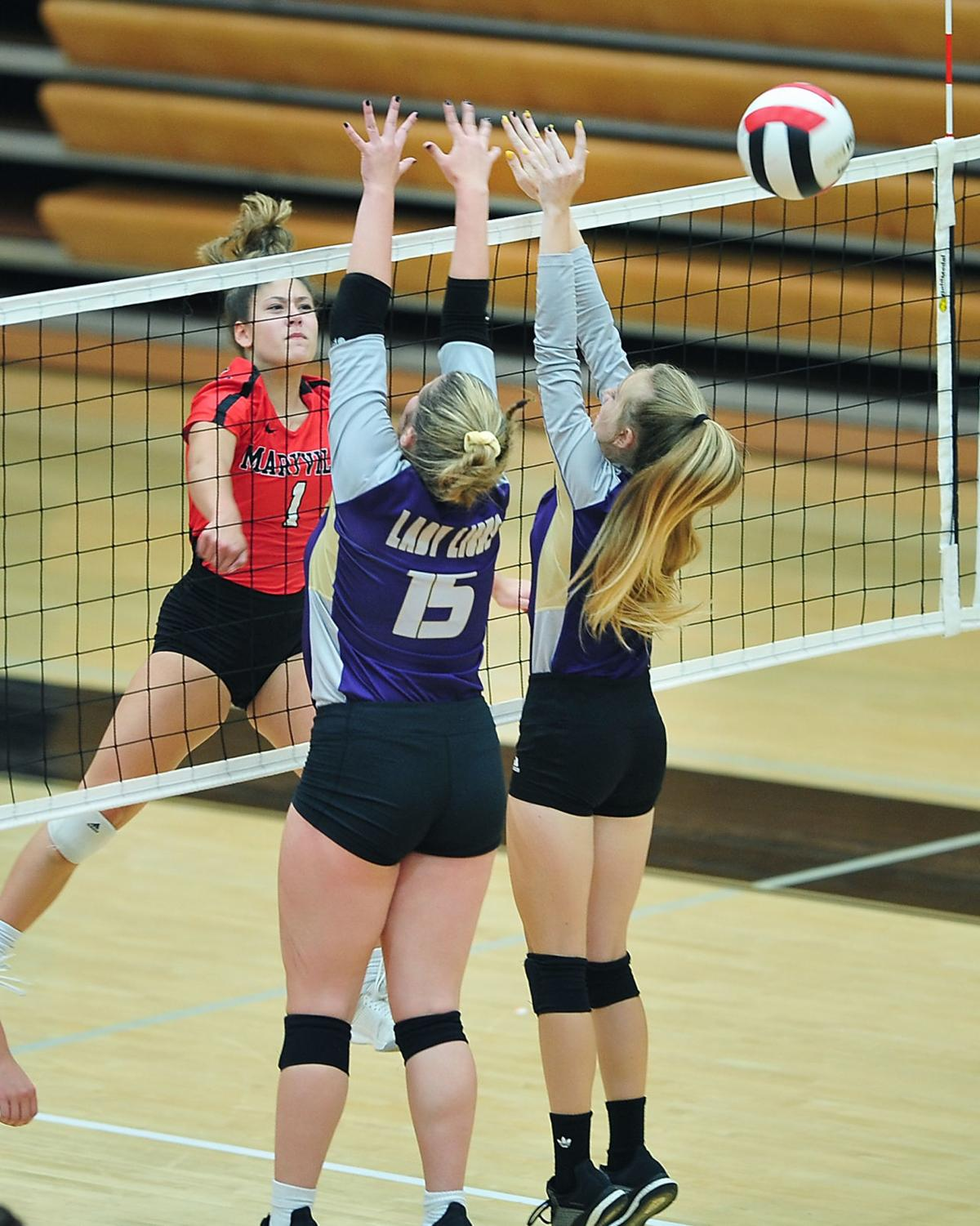 VOLLEYBALL: Maryville's Miranda Wyatt vs TKA