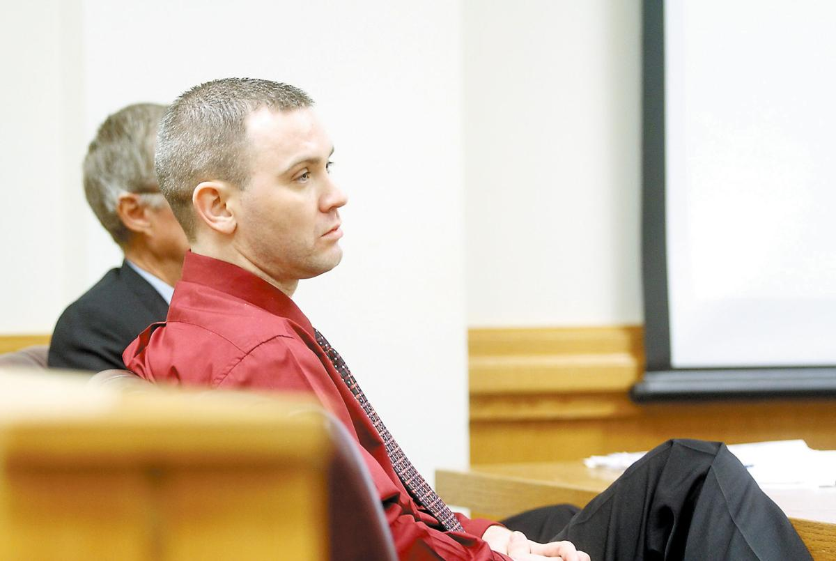 Tennessee blount county alcoa - Darryl Kenneth Brewer In Court During November 2013 Robbery Trial