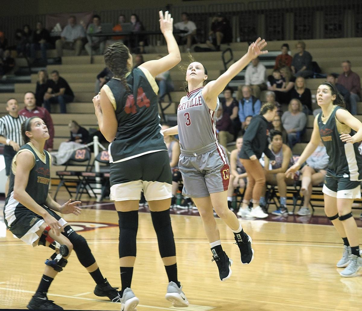 BASKETBALL: Maryville College's Libby Gardner vs Transylvania