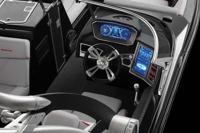 Dual-screen dash option  on 2018 MasterCraft boats