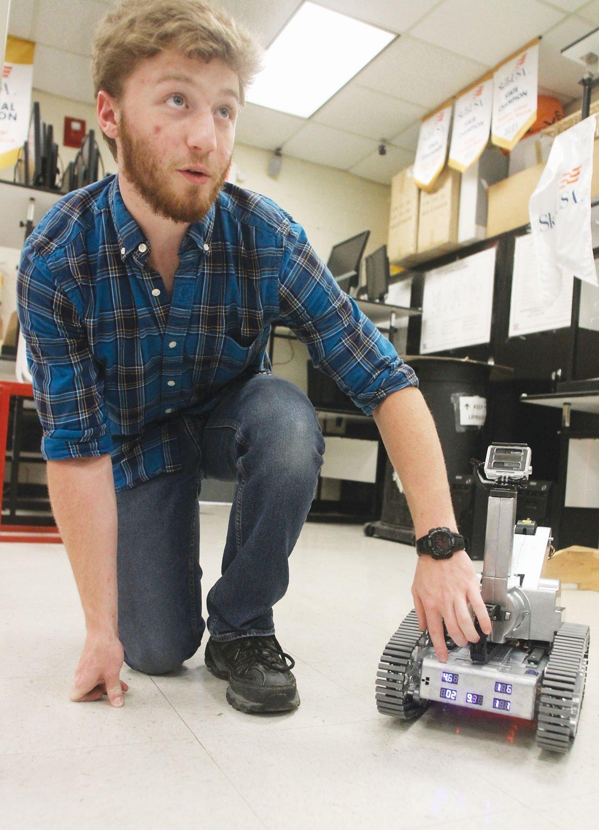 Avery Rayfield shows SkillsUSA robot