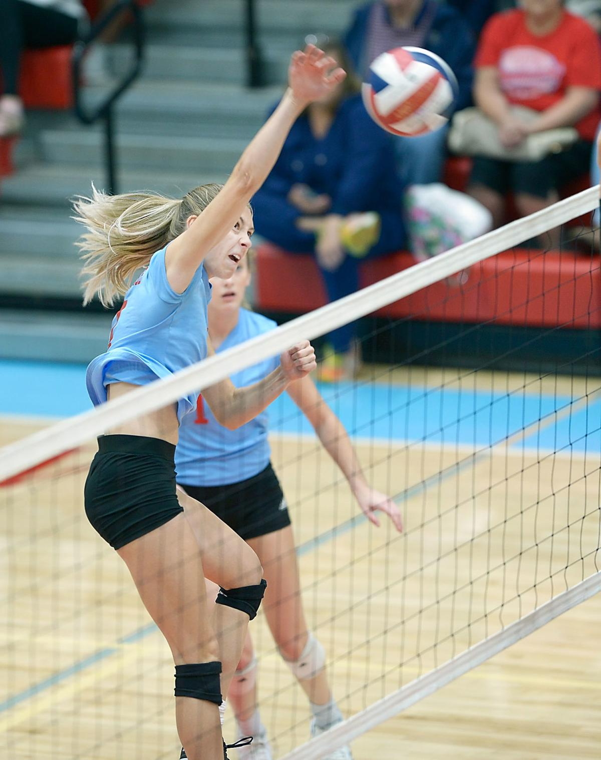 VOLLEYBALL: Heritage's Anna Richardson vs Morristown East