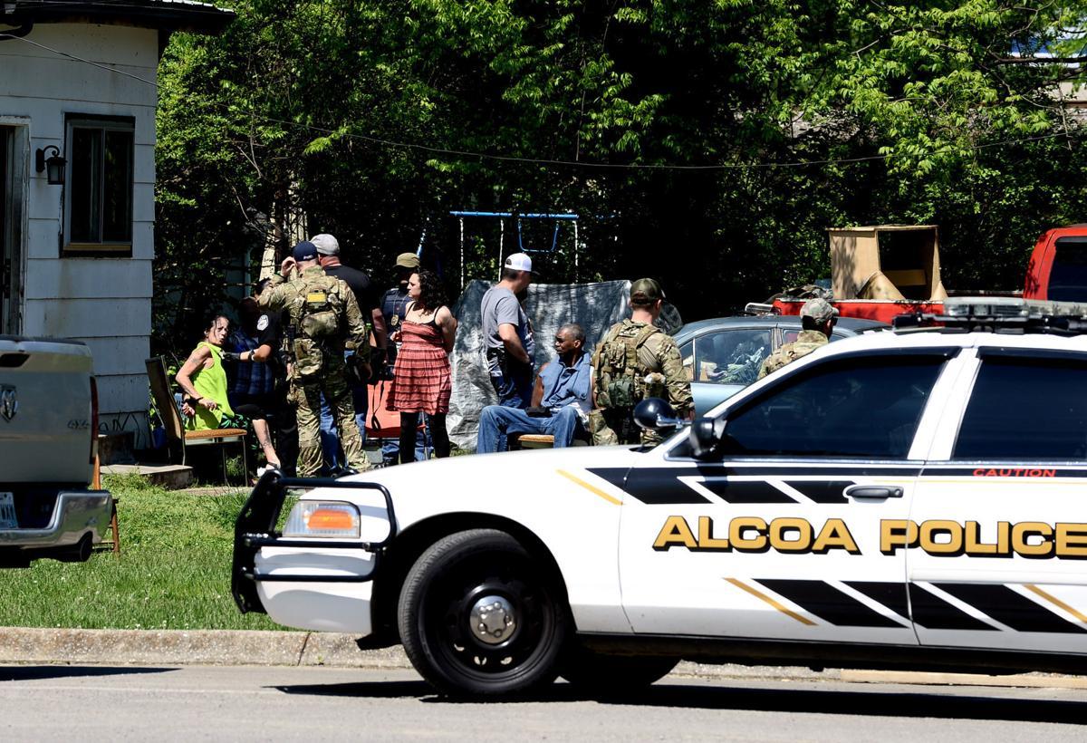 Bang, bang, bang     bust: Drug task force raids Badgett