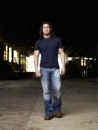 Christian Kane looks to knock out country fans and 'Leverage' baddies