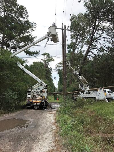 Alcoa Electric crew helps restore power in Savannah, Ga.