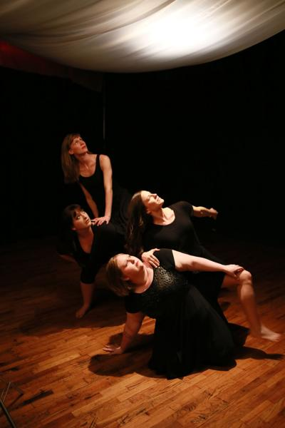 Circle Modern Dance Reveals The Subtle Layer Of Life Love And Loss Entertainment Thedailytimes Com