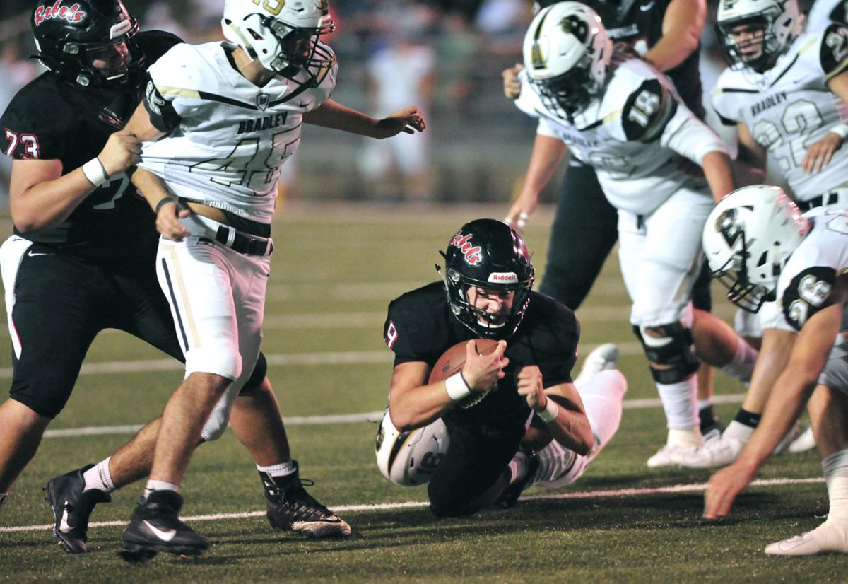 FOOTBALL: Maryville's Cade Chambers vs Bradley Central
