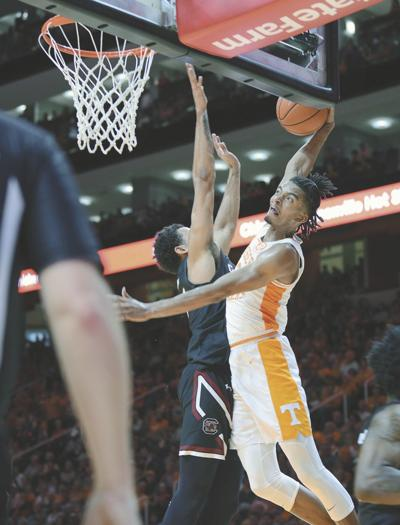 BBALL: UT's Jalen Johnson vs South Carolina