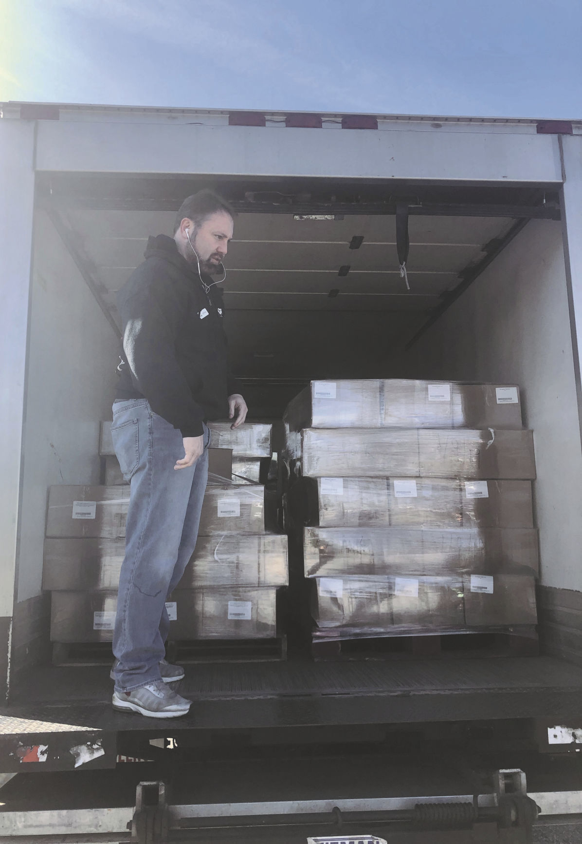 Second Harvest delivers food to TSA employees