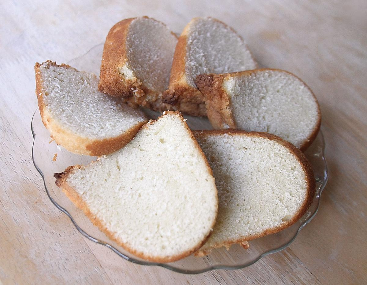 Buttermilk pound cake