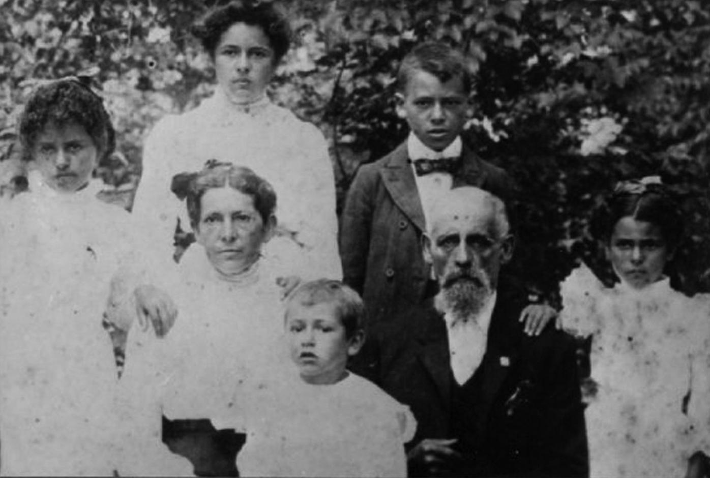Kenson Isom and family