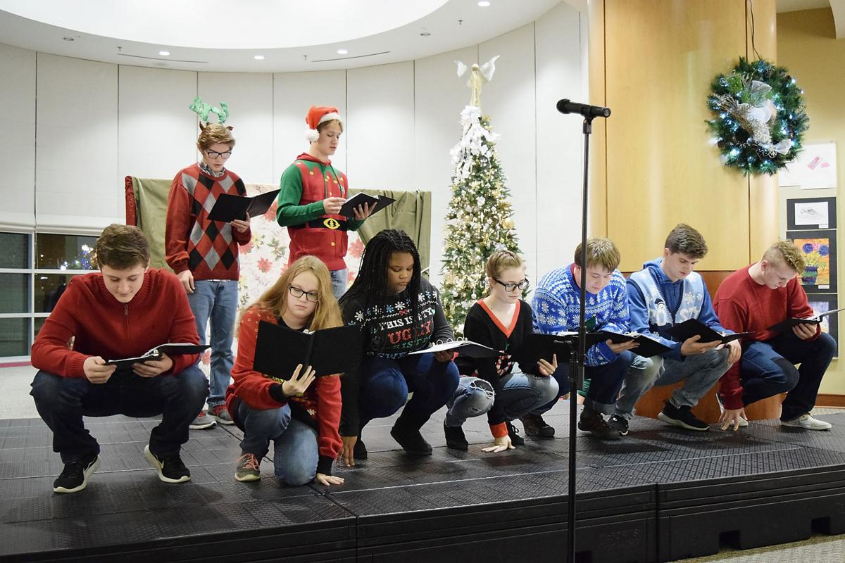 Maryville High School drama students perform 'How the Grinch Stole Christmas'