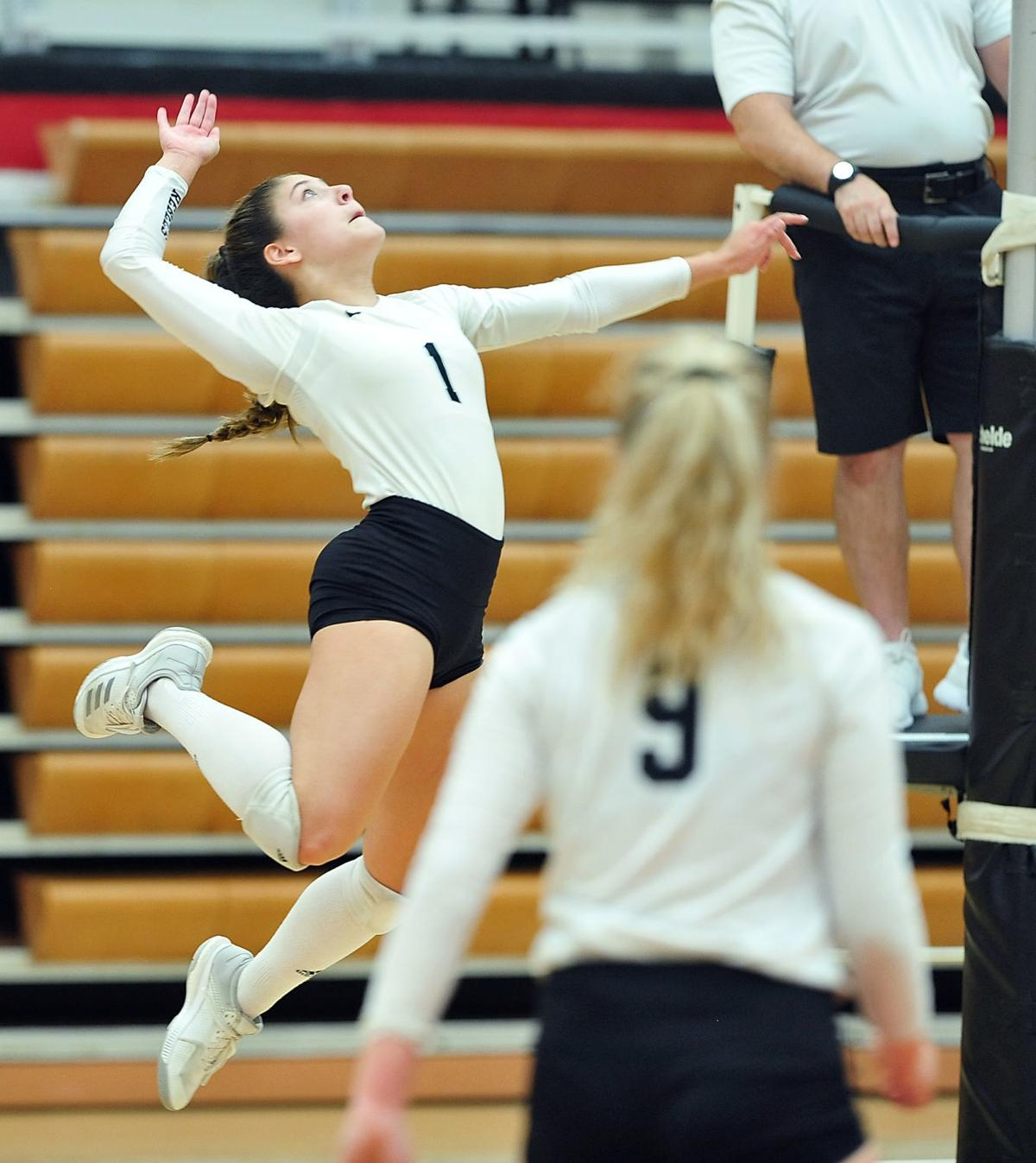 VOLLEYBALL: Maryville's Miranda Wyatt vs Heritage