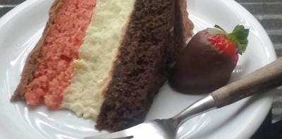 Queenie Cooks: Simplified Neapolitan Cheesecake Cake