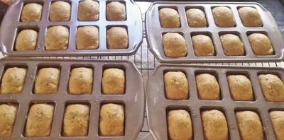 Queenie Cooks: Super-Moist Pumpkin Bread