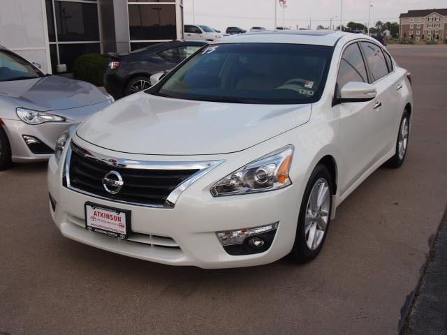 White Nissan Altima >> 2013 White Nissan Altima Sedans Theeagle Com