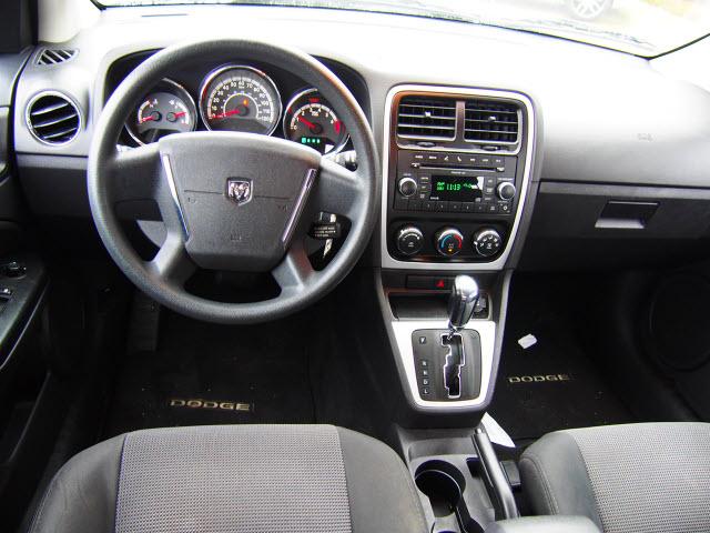 Photos and Videos: 2010 Dodge Caliber Wagon Photos | Kelley Blue Book