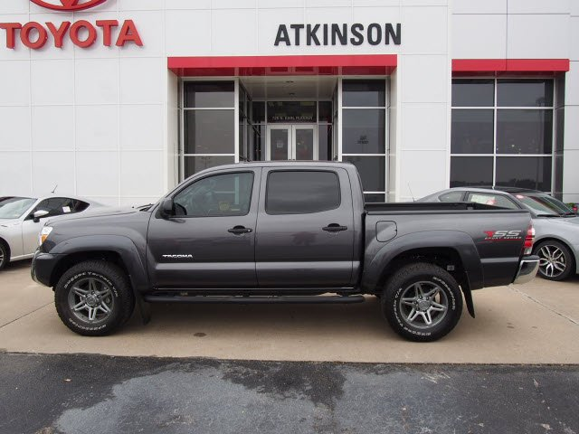 C5ZZ18842 likewise 2002 Isuzu Rodeo Radio Wiring Diagram moreover Loaded 2015 Toyota Tundra 1794 Edition Lifted Truck together with Illumination Wire Cd Stereo Radio Install 77883 besides Watch. on toyota tundra radio