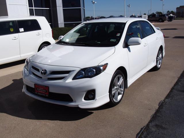 Gallery Toyota Corolla Sport 2013 White