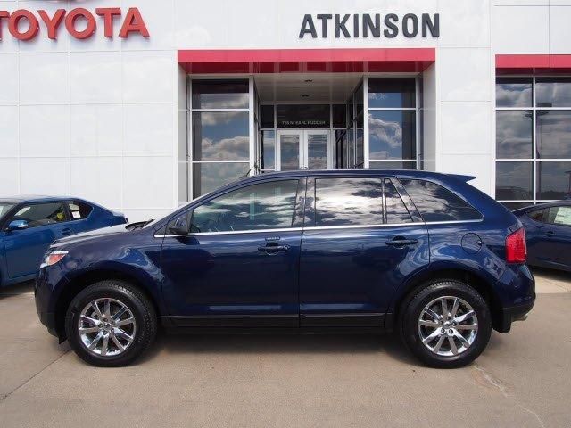 Kona Blue Metallic Ford Edge