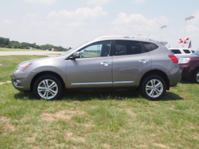 Platinum Used Cars >> 2013 Platinum Graphite Nissan Rogue | SUVs | theeagle.com