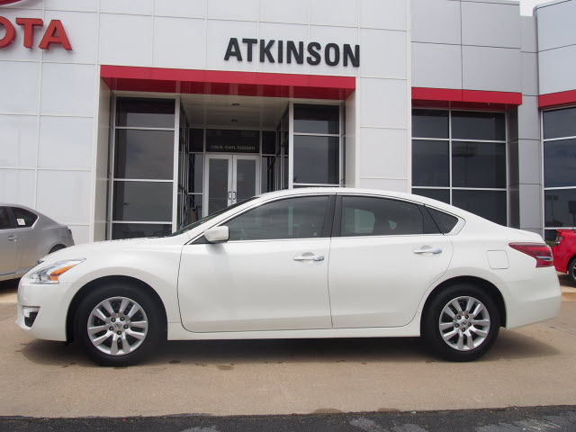White Nissan Altima >> 2013 Pearl White Nissan Altima Sedans Theeagle Com